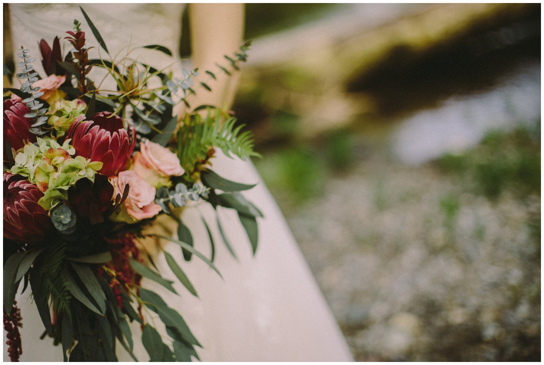 boho wedding flowers, bella luz imagery
